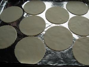 pastry circles