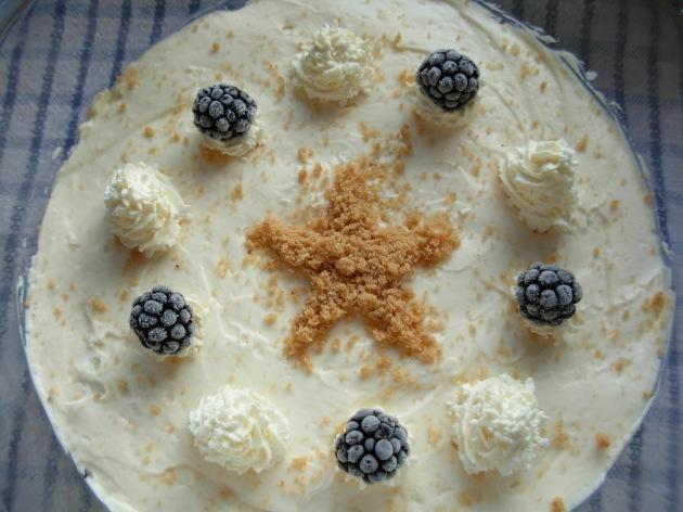 Gingerbread, bramble and lemon trifle