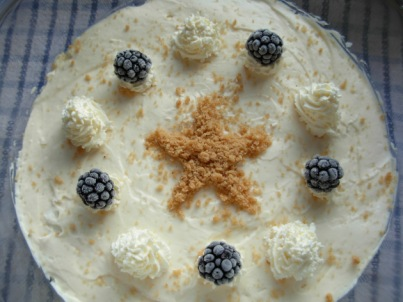 Gingerbread, bramble and lemon trifle